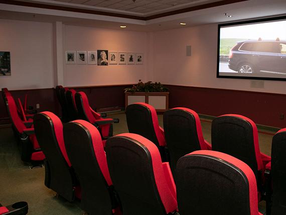 website theatre 570 x 430 px